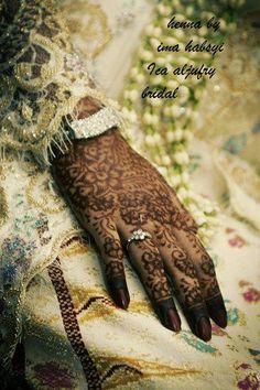 Elegant henna and dress
