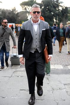 Nick Wooster rocking a neutral color-block suit // menswear street style