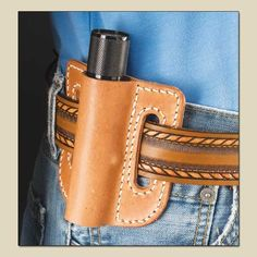 """This looks like a fairly simply flashlight scabbard. It's small enough to use up some of your smaller """"scraps"""" of leather. I would also be good practice for making pancake holsters. Pancake Holster, How To Make Pancakes, Leather Holster, Leather Projects, Everyday Carry, Leather Working, Leather Craft, Flashlight, Pouch"""