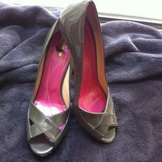 Kate Spade peep toe heels Used olive green Kate Spade heels. Still in good condition. Buttons do show wear as shown in picture. kate spade Shoes Heels