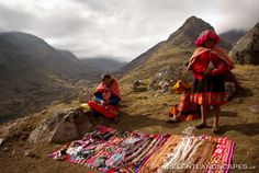 image+peru | Peruvian Girls Selling Handicrafts