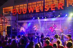 A semana já começou agitada na Budweiser Basement em São Paulo! O Mandíbula está tomando conta do bar (todas as noites até o fim do projeto) e hoje especialmente pra festa Sing Along chamou Isto Não É Um Karaoke  DJ Ricardo Athayde. O microfone vai ser disputadíssimo! Ah a programação segue até domingo (e na semana que vem também a partir de terça até o dia 19/2). Então vem! #promoglamour #BudBasement #ThisBudsForYou  via GLAMOUR BRASIL MAGAZINE OFFICIAL INSTAGRAM - Celebrity  Fashion  Haute…