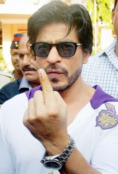 Shah Rukh Khan stepped out to vote in KKR colours. #Style #Bollywood #Fashion #Handsome