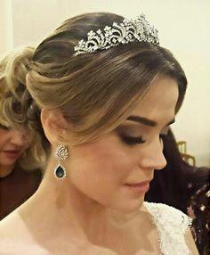Penteados para noivas e madrinhas