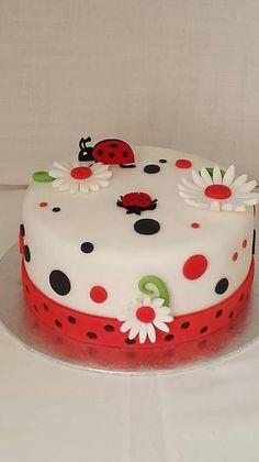 Cute Birthday Cakes, Beautiful Birthday Cakes, Happy Birthday, Cake Decorating Frosting, Cake Decorating Videos, Ladybird Cake, Cake Designs For Girl, Ladybug Cakes, Ladybug Cake Pops