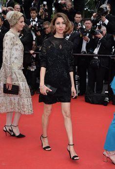 Pin for Later: Die Stars pilgern zum Filmfestival nach Cannes  Sofia Coppola zeigte auf dem roten Teppich ihre Beine.