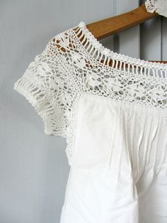 Items similar to Italian vintage nightrobe, withe cotton and crochet lace, Hand made in Italy on Etsy Knitting ProjectsKnitting HumorCrochet Hair StylesCrochet Baby Crochet Lace Edging, Crochet Fabric, Crochet Blouse, Cotton Crochet, Irish Crochet, Crochet Stitches, Crochet Top, Crochet Patterns, Vintage Crochet
