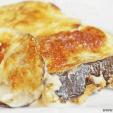 Creamy Baked Parmesan Eggplant is a delicious low carb and gluten free side dish. The soft and roasted eggplant coated in a creamy cheese sauce makes a mouthwatering choice for your next meal. Baked Eggplant Recipes, Keto Eggplant Recipe, Low Carb Menus, Low Carb Recipes, Healthy Recipes, Gf Recipes, Healthy Food, Gluten Free Sides Dishes, Low Carb Side Dishes