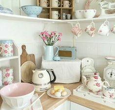 Pastel kitchen love the over worktop shelves