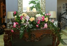 Rangkaian bunga meja pada area ruang tamu
