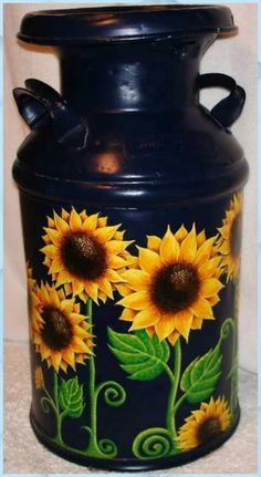 Milk Can Decor, Painted Milk Cans, Old Milk Cans, Milk Jugs, Sunflower Art, Sunflower Paintings, Sunflower Crafts, Sunflower Images, Sunflower Kitchen Decor