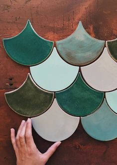 Most up-to-date Free of Charge hand made Ceramics Tile Tips Fitting tile can be tricky. Prosperous tiling effort is a primary reaction to good setting up plus a Ceramic Tile Art, Ceramics Tile, Entryway Flooring, Tile Crafts, Diy Tiles, Handmade Tiles, Handmade Ceramic, Tile Patterns, Accent Decor