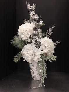 White Winter Arrangement 2016 by Andrea