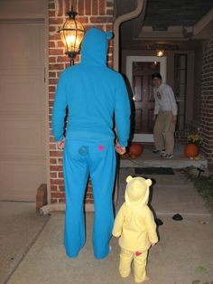 Daddy daughter carebear costumes!!! Just need sweatsuits and iron on transfers...I can't stop laughing!