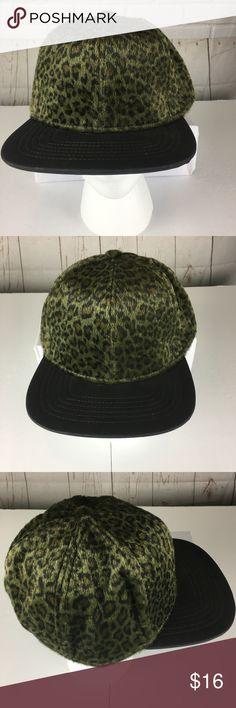 63dbb10cbe4 OSFM Green Cheetah Flat Bill Snapback Cap Hat OSFM Dark Green Cheetah Flat  Bill Snapback Hat
