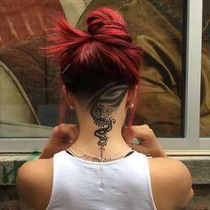 Henna hair art = woah. Loving this artistry by @rock.thebarber. #modernsalon #hennahairart #hairdressermagic
