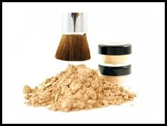 MakeupTip: Avoid using too much foundation during the monsoon, especially cream foundations. Use loose powder or mineralized foundation.