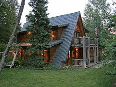 My neighbors house in Sundance.  One of my favorite cabins.  It has a beautiful yard.