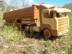 Wooden truck Scania r-480