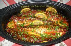 Plachie de crap - Bunătăți din bucătăria Gicuței Veg Recipes, Slow Cooker Recipes, Cooking Recipes, Seafood Dinner, Fish And Seafood, Carne, Artisan Food, Romanian Food, Sauce Tomate