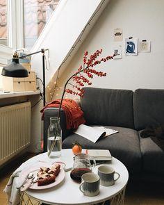 cozy scandinavian home by L A R A ⭐️ B E R L I N (@larisazz)