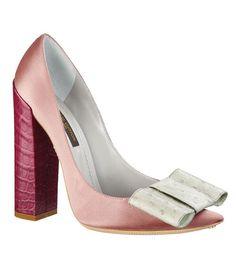 louis vuitton pink shoes.