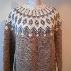 Beautiful sweater Icelandic / Original / Lopapeysa by Icelandic Sweaters, Wool Sweaters, Nordic Sweater, Work Tops, Brown Sweater, Stay Warm, Knitting Patterns, Sweater Patterns, Knitting Ideas