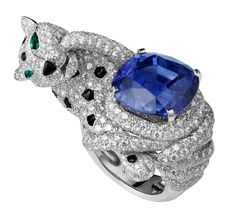 CartierBiennale Lion Ring - Platinum, one cushion-cut sapphire, onyx spots and snout, emerald eyes, brilliants. PHOTO Vincent Wulveryck © Cartier 2012