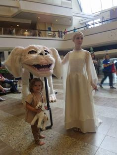 I made a Falkor puppet for Dragon con. Absolutely loving sharing it with everyone!