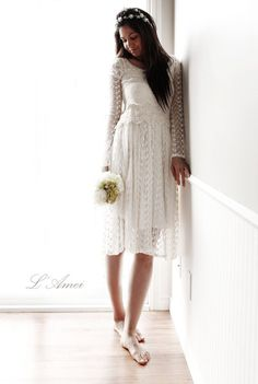 Short Ivory Vintage Style Long Sleeve Lace Wedding Bridal by LAmei