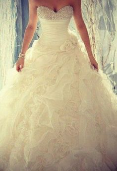Not sure my dream dress exists but this is pretty close