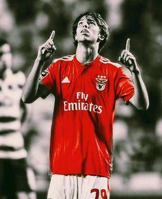 João Félix, o novo menino de ouro do Benfica. Football Love, Football Team, Judo, Benfica Wallpaper, Soccer Quotes, Image Fun, Soccer Stars, Big Love, Soccer Players