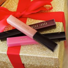 Shop makeup and skincare products on Bobbi Brown Cosmetics online. Learn Bobbi's latest looks, makeup tips and techniques. Beauty Makeup, Hair Makeup, Hair Beauty, Shimmer Lip Gloss, Holiday 2014, Be Your Own Kind Of Beautiful, Pink Sunset, Makeup Rooms, War Paint