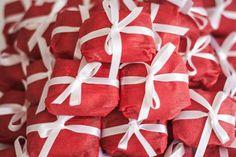 noivado-economico-rio-de-janeiro-faca-voce-mesmo-decoracao-vermelho-e-branco (12)