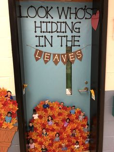 Toddler Classroom Decorations, Preschool Door Decorations, Infant Classroom, Classroom Crafts, Future Classroom, Classroom Themes, Thanksgiving Classroom Door, Thanksgiving Door Decorations, Halloween Classroom Door