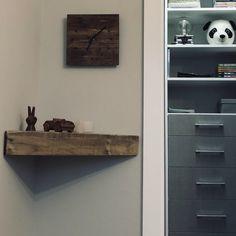 Flottant bois étagère étagère murale en bois régénérée   Etsy Wood Corner Shelves, Rustic Wooden Shelves, Reclaimed Wood Frames, Wood Wall Shelf, Wall Shelves, Corner Shelf, Solid Pine, Wood Pallets, Floating Shelves