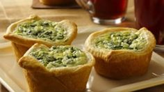 Bite size Easy Mini Quiche; perfect for brunch or as an appetizer. You can vary the ingredients to make it with meat or vegetarian.
