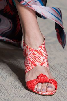 Best Runway Shoes and Bags at Fashion Week Spring 2015 | POPSUGAR Fashion.   Matthew Williamson Spring 2015