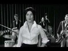 "Mina - Tintarella di luna (dal film ""Juke Box urli d'amore"", 1959) - YouTube"
