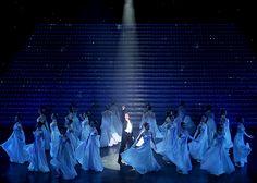 『神々の土地』『クラシカル ビジュー』の舞台写真・舞台映像をご紹介します。 Cosmos, Concert, Concerts, Space, Outer Space