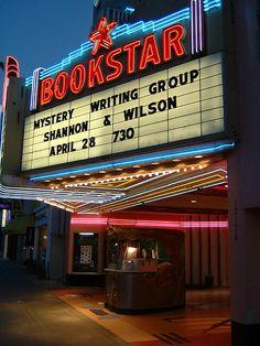 Hay un montón de salas de cine como una salida a la diversión