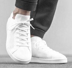 Der adidas Originals Stan Smith Primeknit ist mehr als clean: Die Kombination aus Hightech Ober-Material und klassischem Tennis-Shape ist Bombe. Hier entdecken und shoppen: http://sturbock.me/daQ