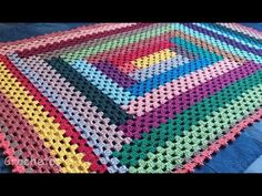 Granny Square Crochet Pattern, Crochet Granny, Baby Blanket Crochet, Afghan Crochet Patterns, Knitting Patterns Free, Crochet Stitches, Scrap Crochet, Love Crochet, Crochet Table Mat