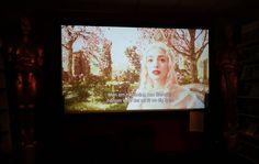 Lite tidigt till ett möte hamnade i en filmbutik där rullar Alice i underlandet. En riktig #filmbutik alltså. Glömde att de finns i de streamingstider... Lite nostalgisk känsla