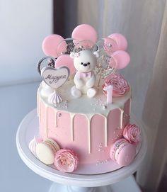 Birthday Cakes For Girls - Novelty Birthday Cakes 1st Birthday Cake For Girls, Twin Birthday Cakes, Funny Birthday Cakes, Novelty Birthday Cakes, Bolo Da Hello Kitty, Cake Pops, Cake Designs For Kids, Lollipop Cake, Beautiful Birthday Cakes
