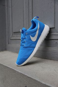 "Nike Roshe Run ""Blue Hero"""