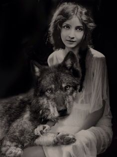 Isely, Robin - Bessie Love (Actress) w Wolf Antique Photos, Vintage Pictures, Vintage Photographs, Old Pictures, Vintage Images, Old Photos, Wolf Spirit, Spirit Animal, Wolf Hybrid