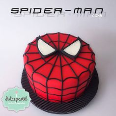 Spiderman Cake Ideas for Little Super Heroes - Novelty Birthday Cakes Spiderman Torte, Spiderman Cake Topper, Spiderman Birthday Cake, Batman Cakes, 4th Birthday, Superhero Theme Party, Superhero Cake, Novelty Birthday Cakes, Cakes For Men