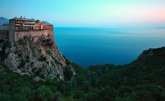 The Holy Monastery of Simonos Petra, Mount Athos, Greece Wonderful Places, Beautiful Places, Amazing Places, Simply Beautiful, Rule Of Thirds Photography, Places Around The World, Around The Worlds, Halkidiki Greece, Beau Site