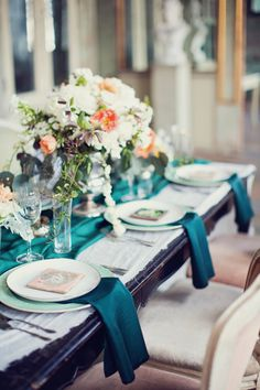 Mixing of emerald, mint and blush.           Photography: Peaches And Mint - www.peachesandmint.com  Read More: http://www.stylemepretty.com/2014/05/12/emerald-mint-peach-wedding-inspiration/